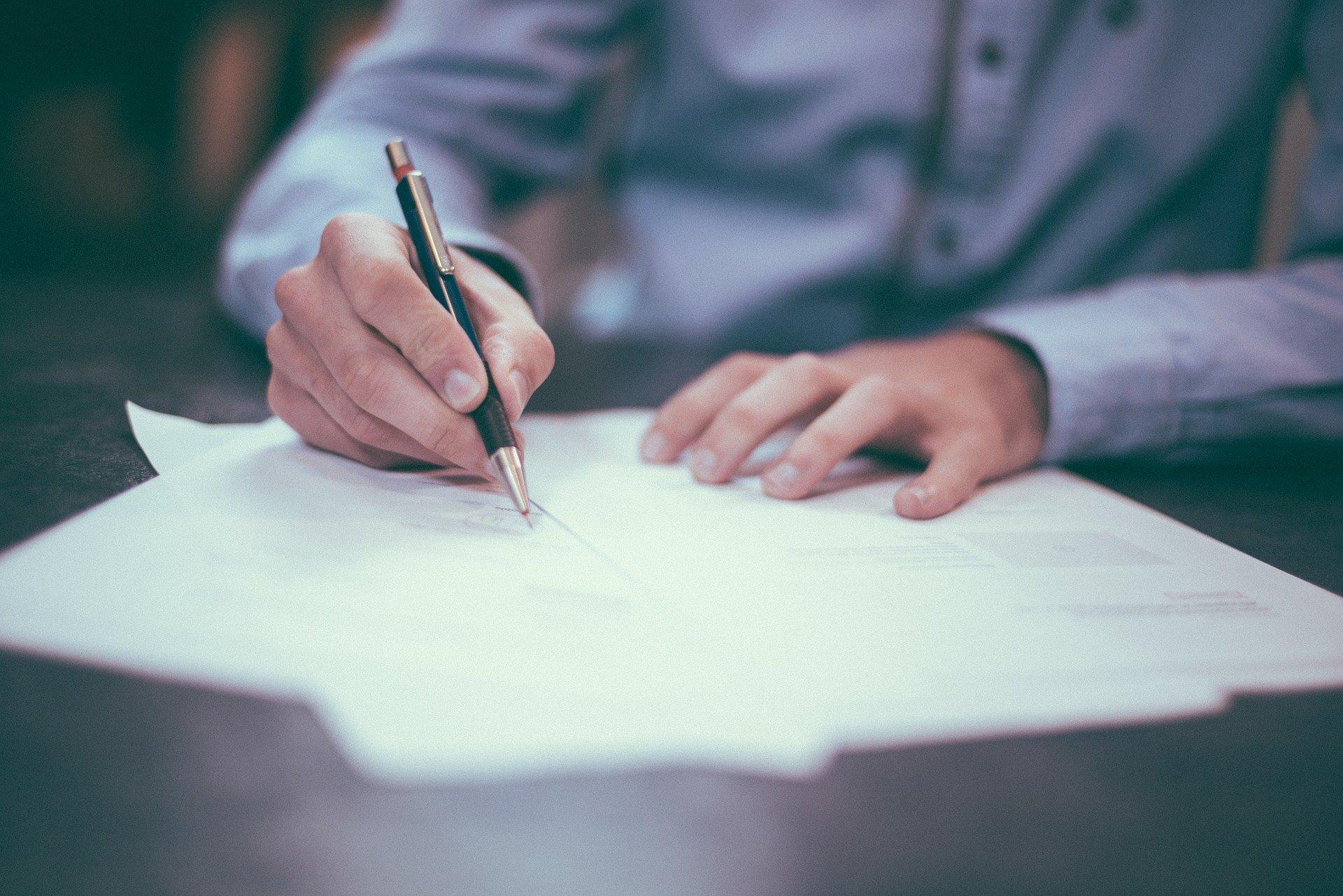 Президент підписав закон про адміністрування податків