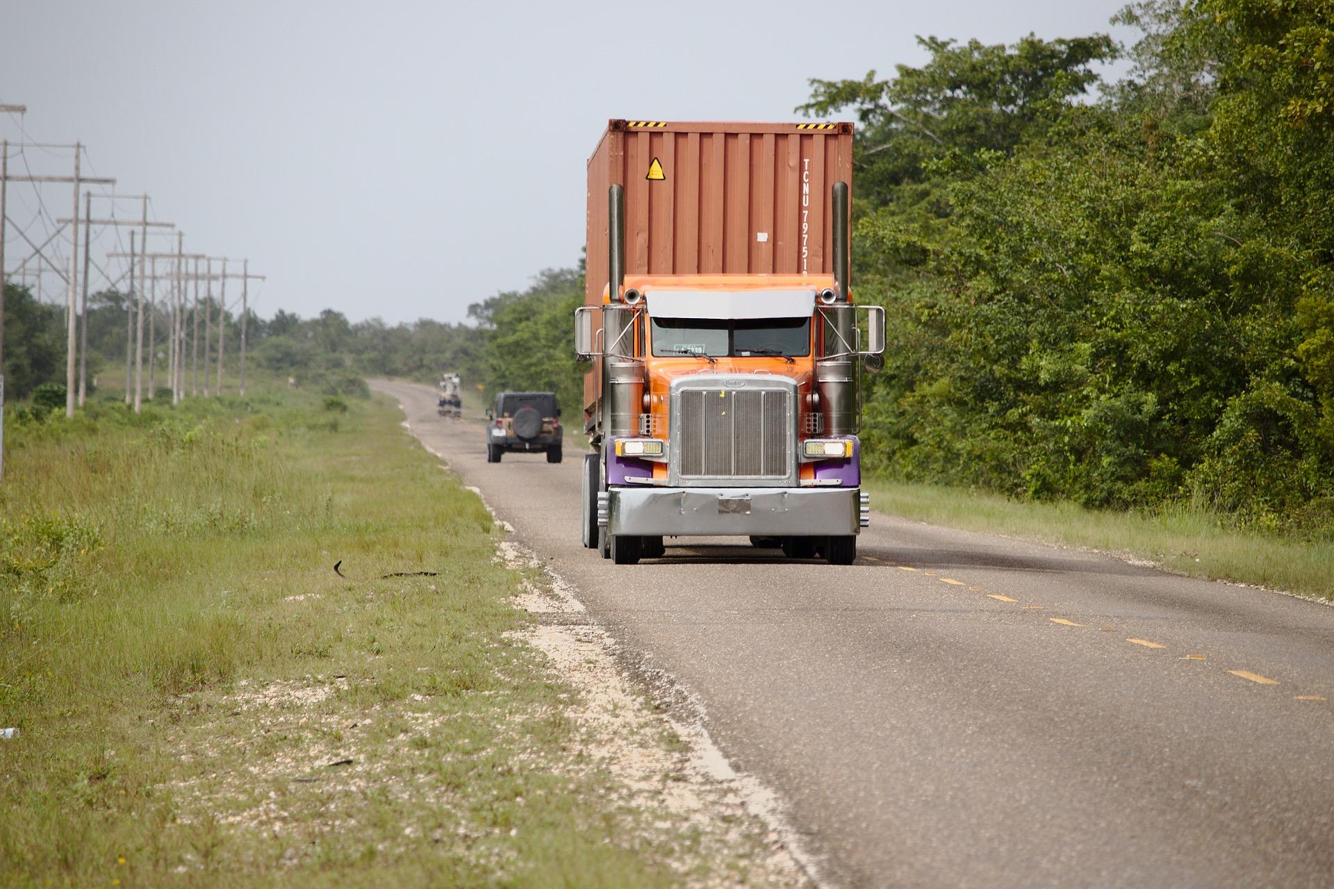 З 1 червня стартують сезонні обмеження руху для вантажоперевізників