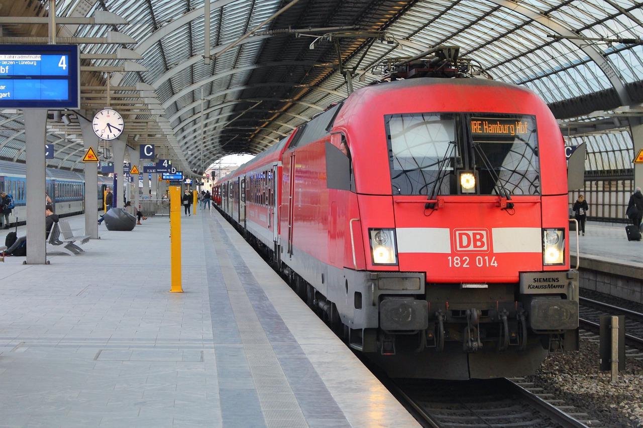 Кабмін створив робочу групу для обговорення співпраці Укрзалізниці із Deutsche Bahn