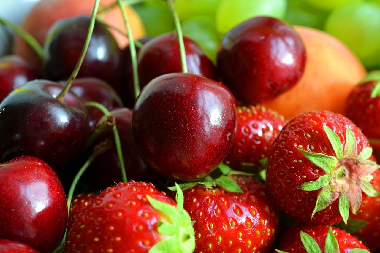 В Україні промислове виробництво фруктів складає 16,8%