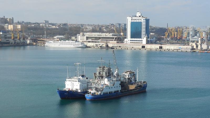 АМПУ розпочала експлуатаційне днопоглиблення Одеського морпорту