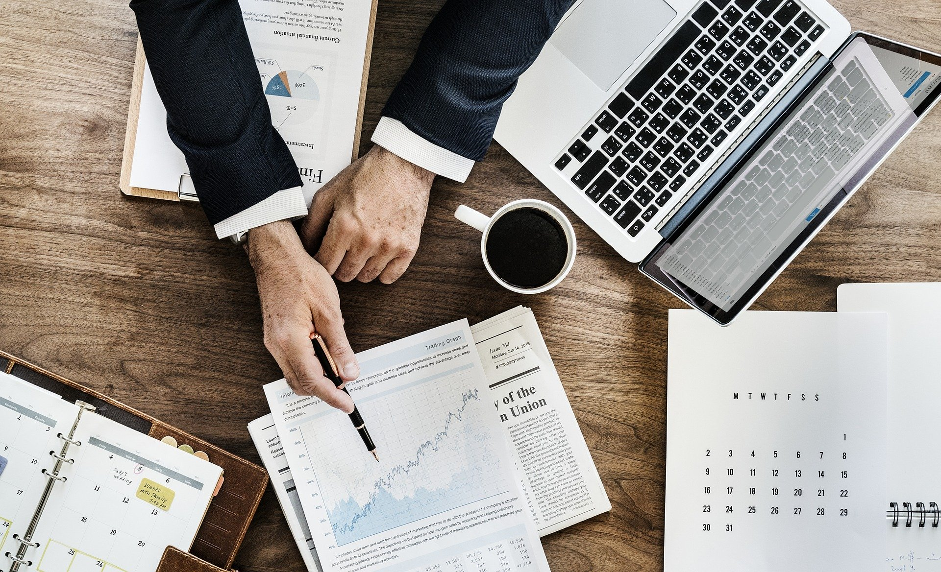 Зеленський підписав закон про відновлення конкурсів на посади держслужби