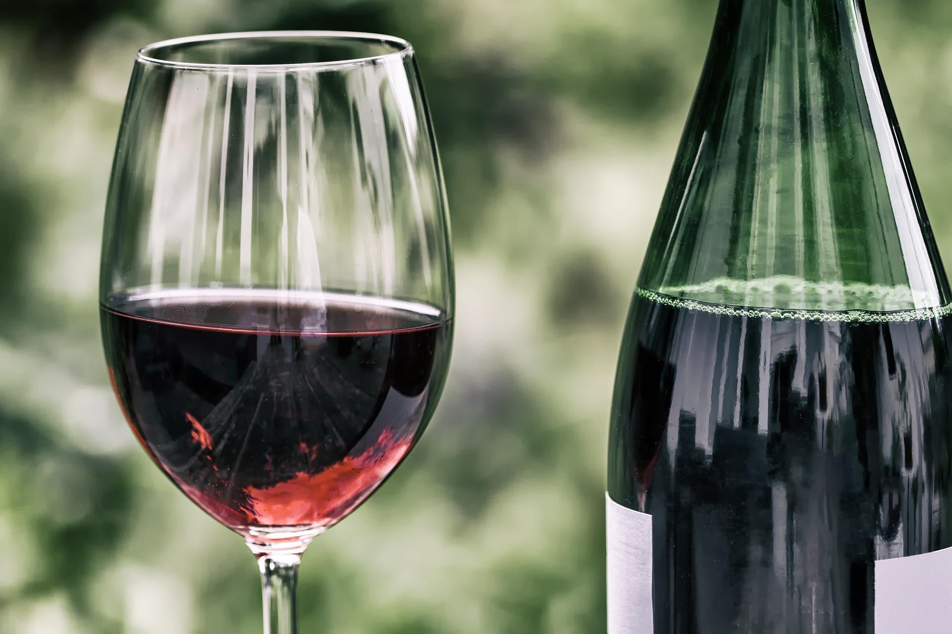 Мінекономіки пропонує виключити з підакцизних товарів натуральні вина