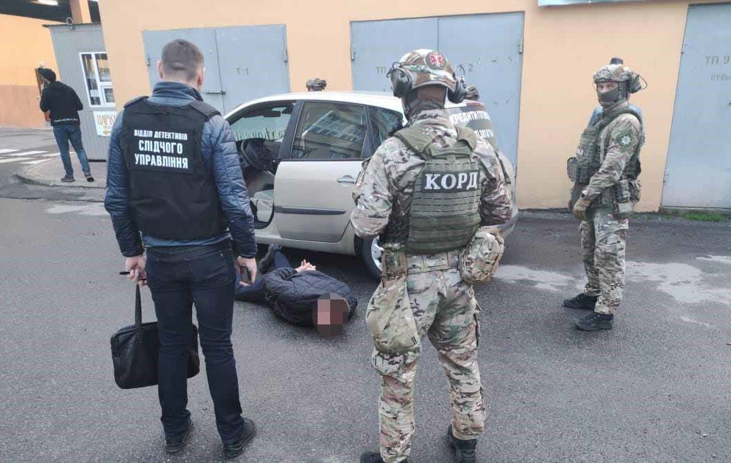 На Вінниччині затримали організоване злочинне угруповання, яке ошукало агрофірми на мільйони гривень