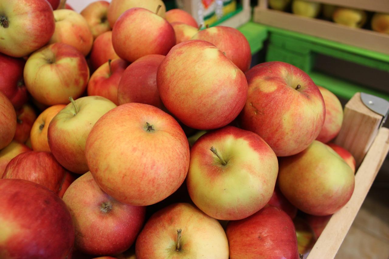 В Україні другий рік поспіль триває дефіцит якісних яблук — експерт