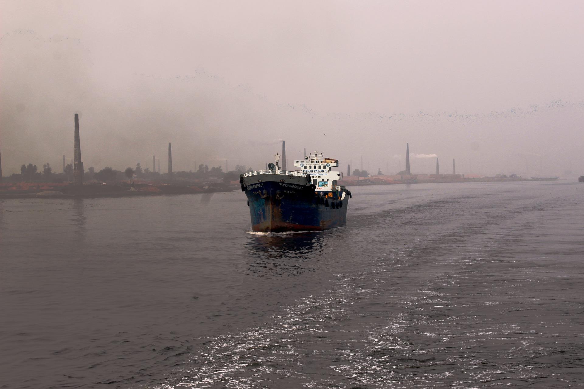 У порту Маріуполя обмежили операції з зерновими
