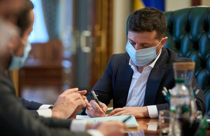 Зеленський підписав закон, що скасовує «соєві правки»