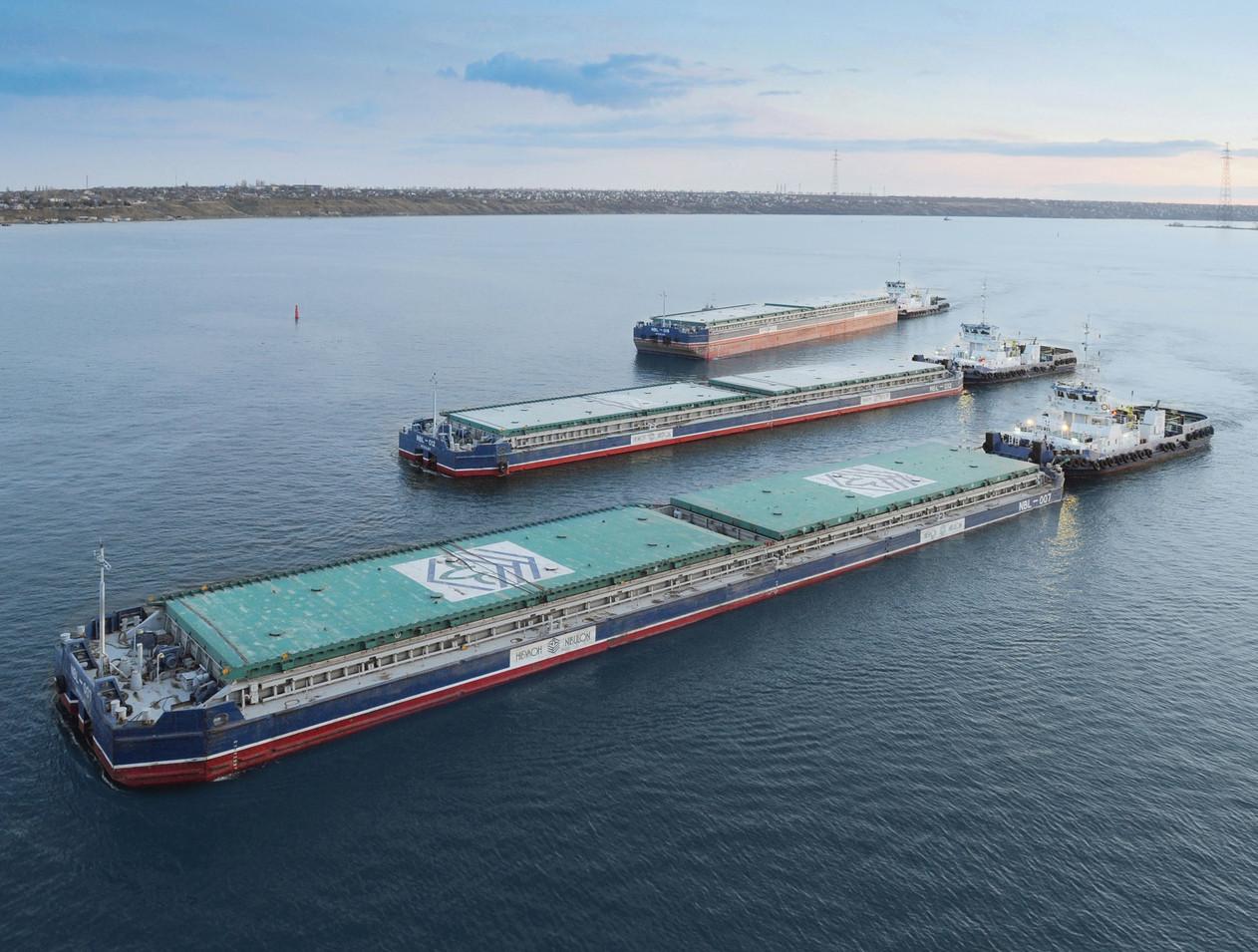 «Нібулон» перевіз річками України 20 млн тонн вантажів