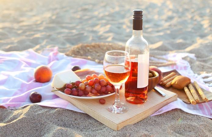 Франція є одночасно найбільшим виробником та імпортером рожевого вина