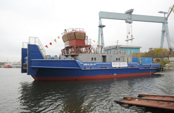 Флот НІБУЛОНу поповнився ще одним буксиром-штовхачем