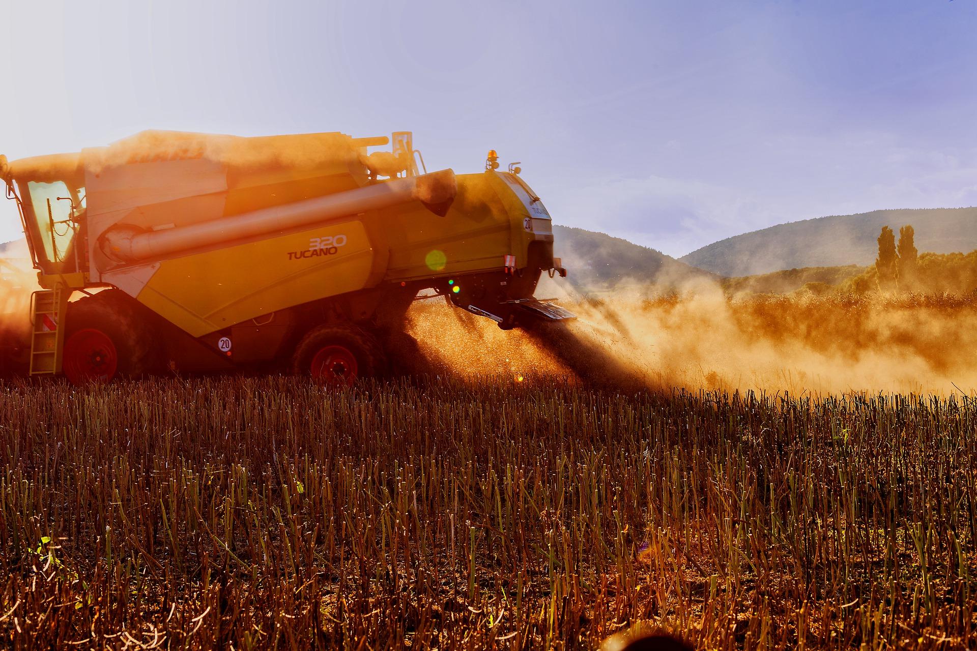 Українські аграрії зібрали 60,9 млн тонн зерна