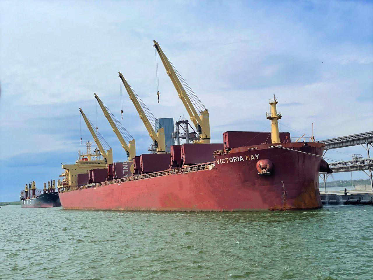 «Ніка-Тера» встановила власний рекорд швидкості навантаження зернових