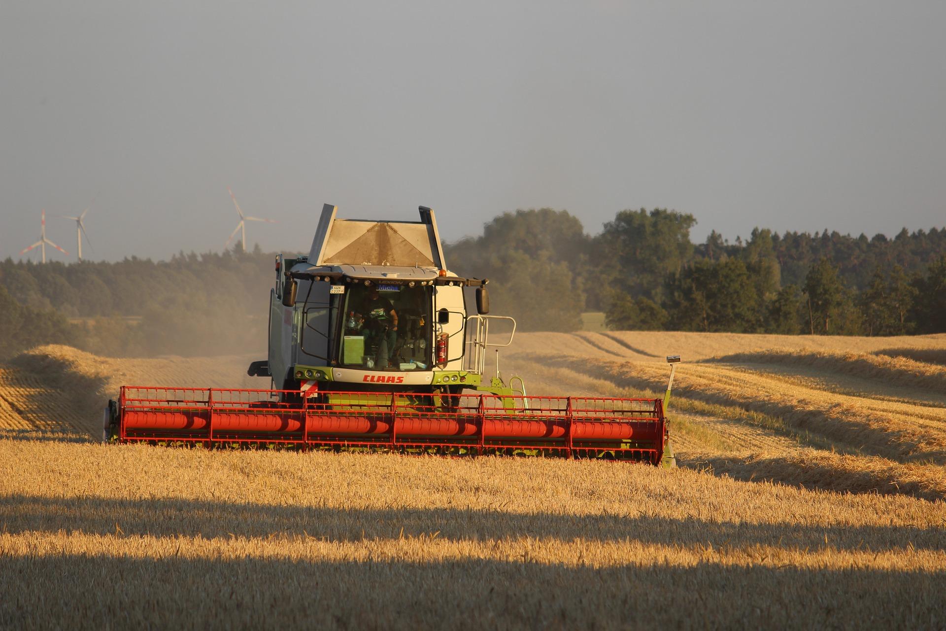 До розкрадань мільйонів гектарів державних сільгоспземель причетні деякі нардепи — Зеленський