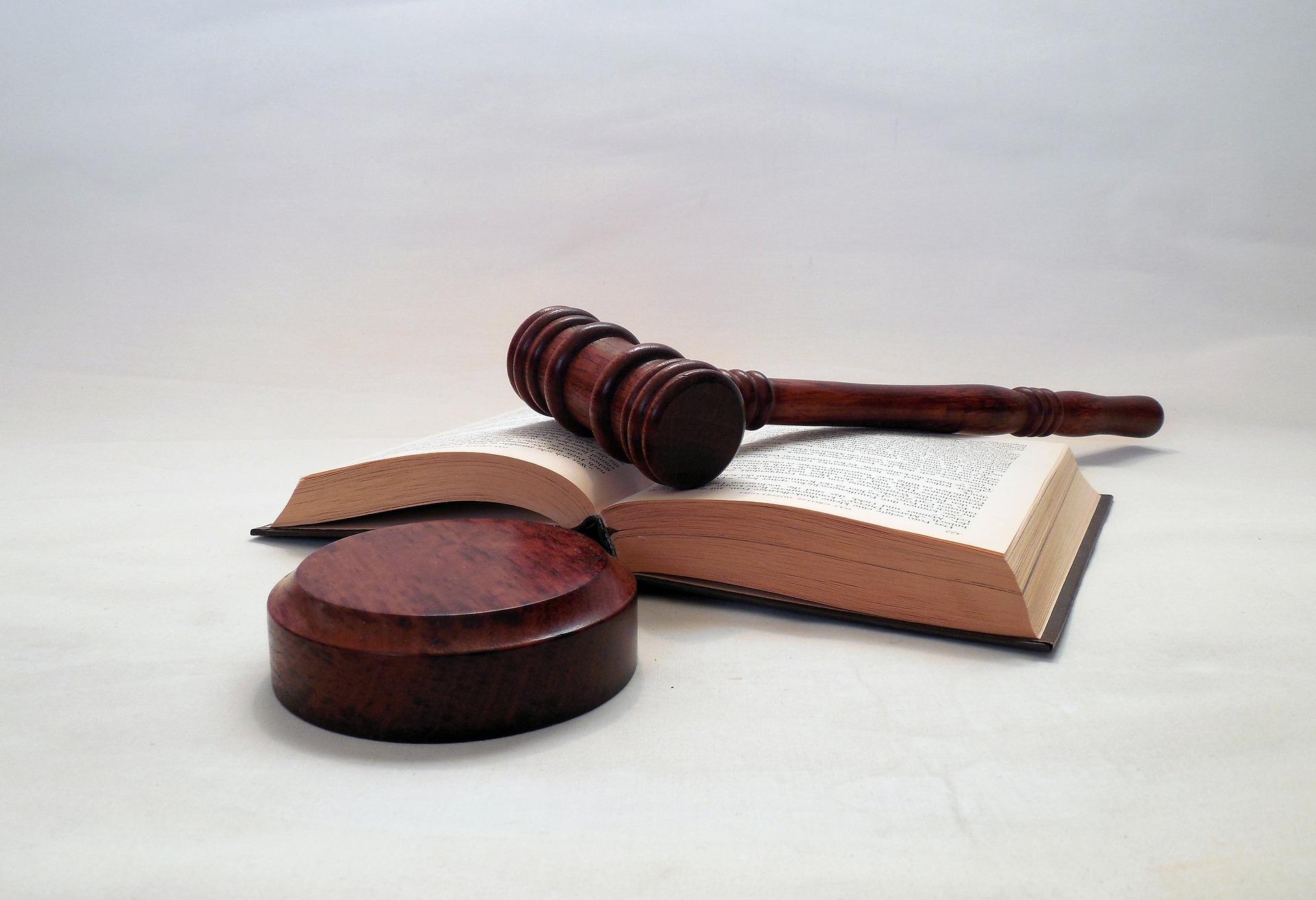 КСУ відклав розгляд закону про ринок землі