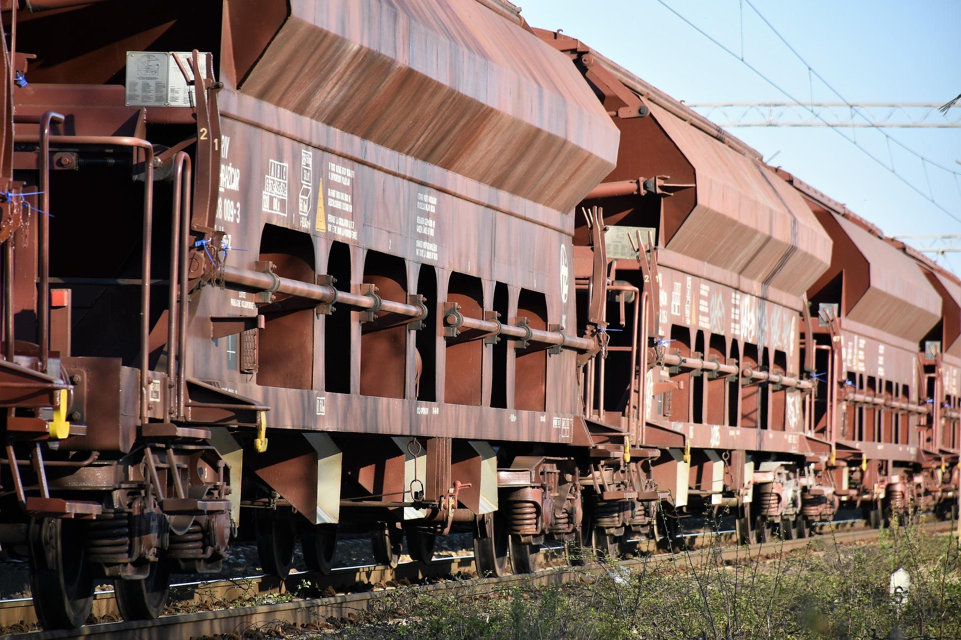 «Укрзалізниця» збільшила обсяги перевезення вантажів на 3,4%
