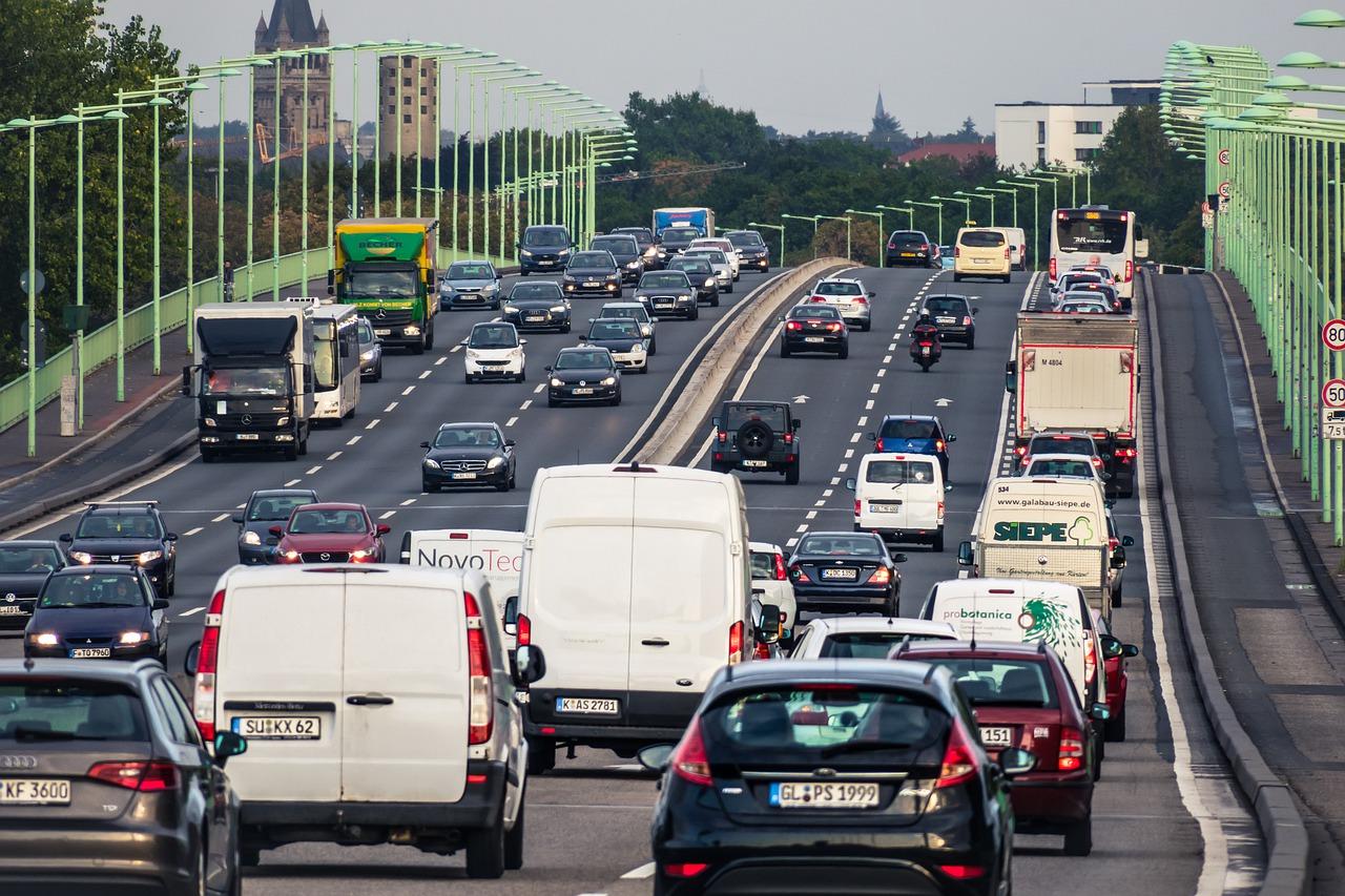 В Україні перевезення вантажів скоротилися на 13,3%