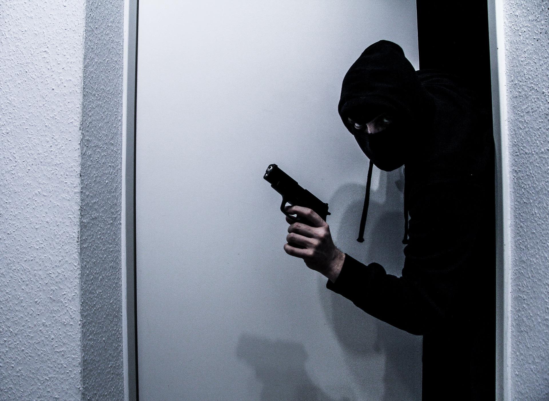 На Хмельниччині зловмисники скоїли розбійний напад на сім'ю аграріїв