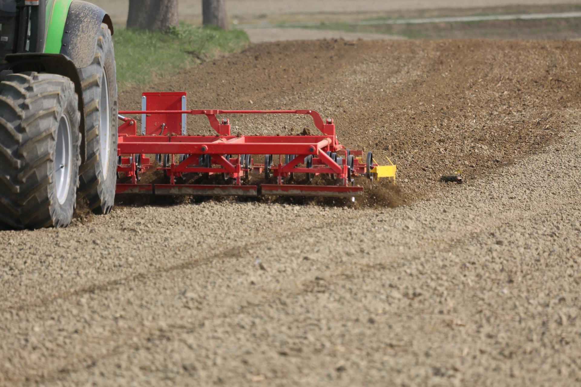 Аграрії Дніпропетровщини вже посіяли 10% ярих зернових