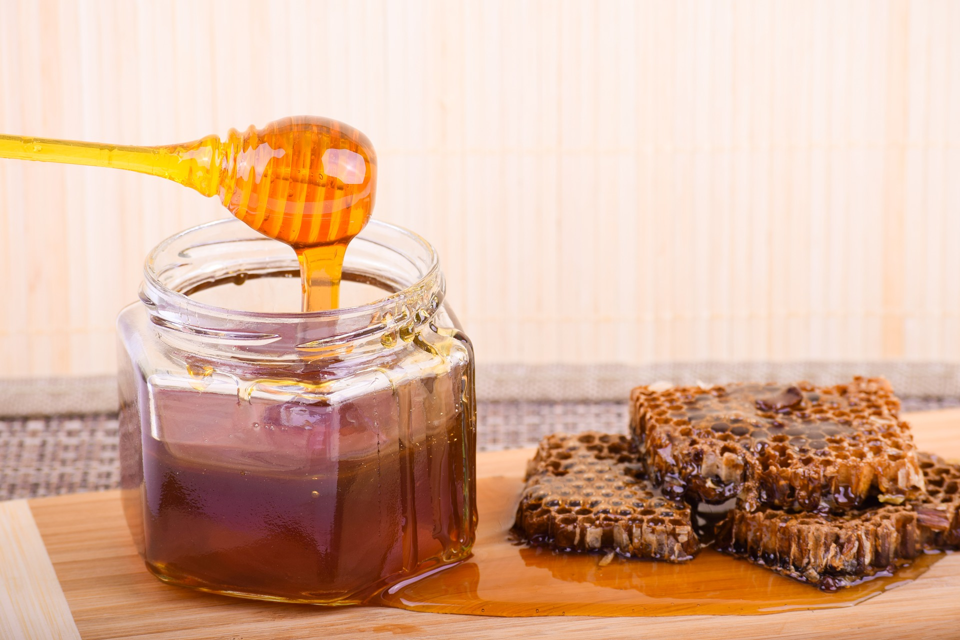 Польща стала лідером із імпорту українського меду